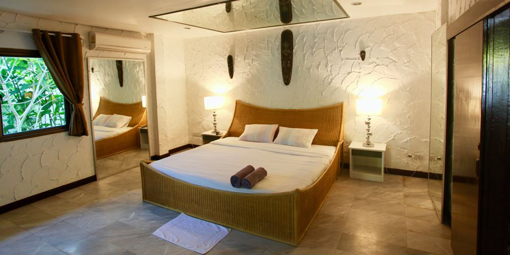 Phuket Sunshine Villa Bedroom